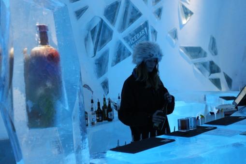 當然不可錯過的是酒店內的 Ice Bar,還可以用冰造的杯飲你至愛的 shot。Cheers!