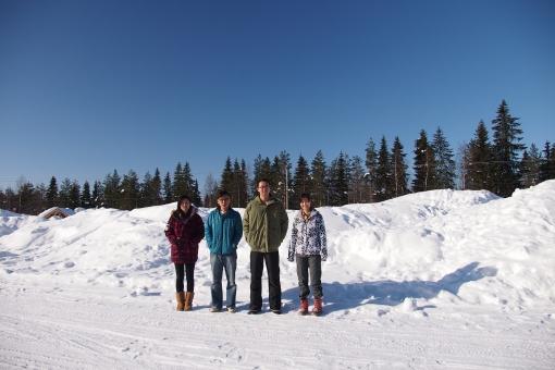 拍攝焗完桑拿打大赤肋的碌雪照前,事先試好位。真真正正碌雪時拍的照嘛… 點可以咁隨便給大家看呢!