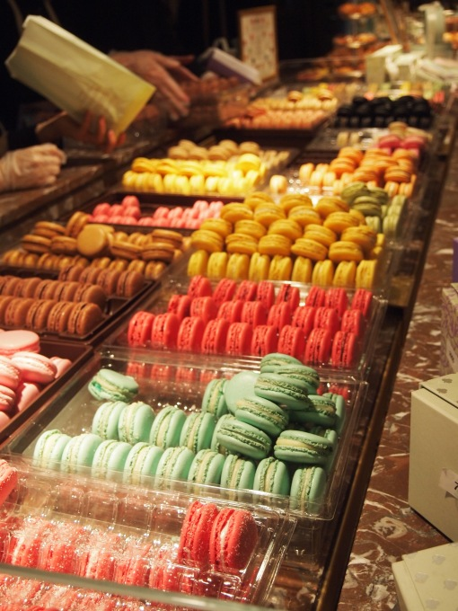 Ladurée 賣的 macarron 有差不多二十種味道,而且非常有水準