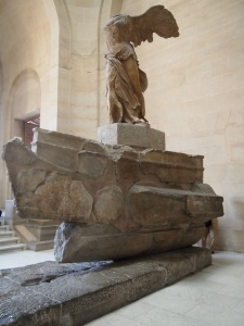 勝利女神 (Winged Victory of Samothrace)