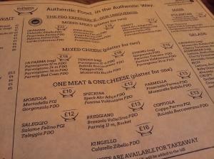 各式各樣的 parma ham 和芝士,任君選擇!