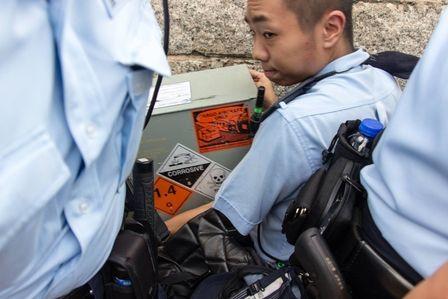 警察借換更為名偷運武器入特首辦,徹底破壞與示威者之間的信任