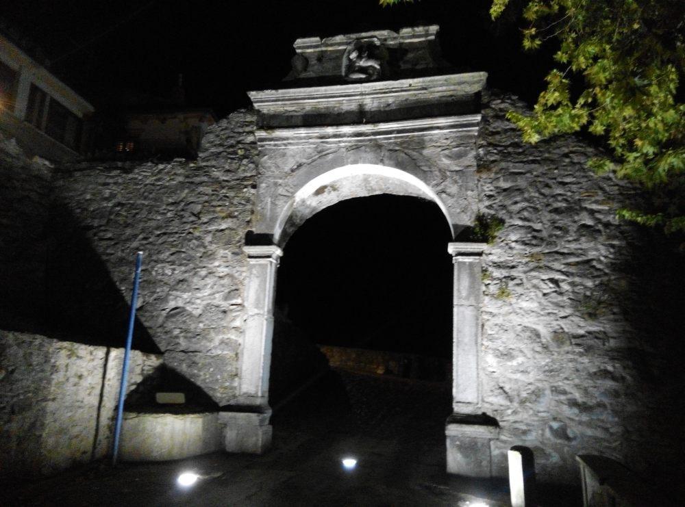 Buzet 舊城的城門