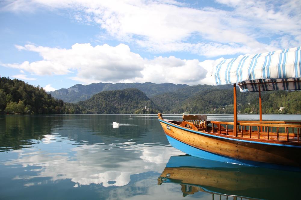 這幅 Lake Bled 的相實在是太靚了!