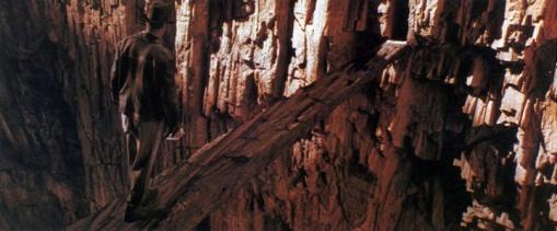 Indiana Jones and the Last Crusade電影裡的 Invisible Bridge