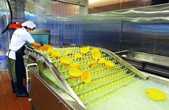 洗碗工場近年開得成行成市