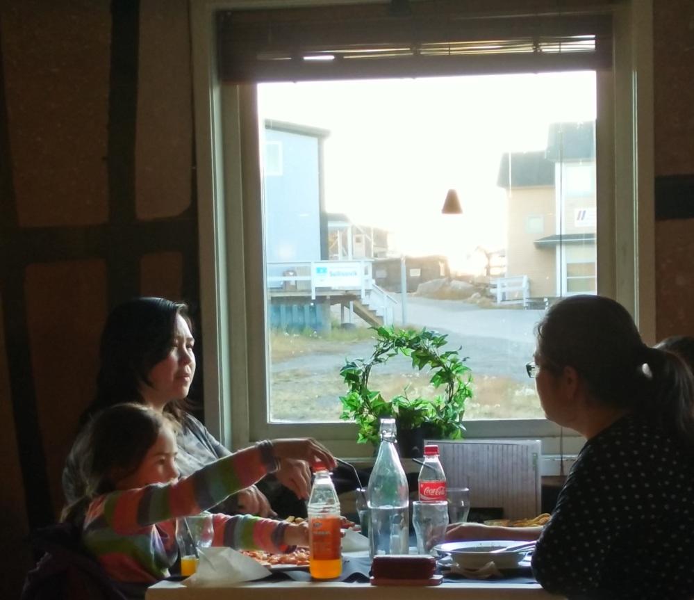 在 Greenland 街頭時常都見到貌此亞洲人的本地人