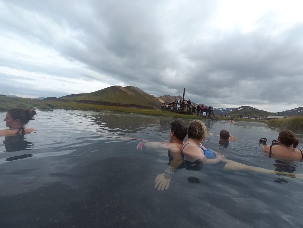 寒風下浸在暖暖的泉水中,好不寫意!