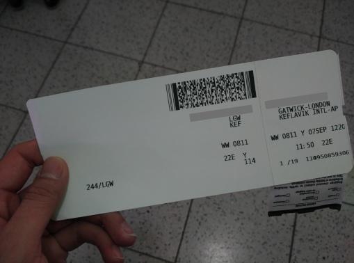 印在一張白紙的登機證