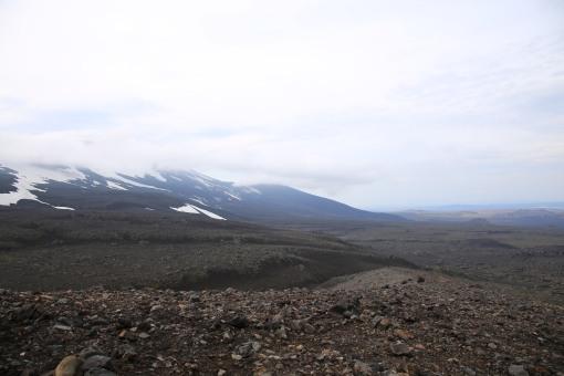 冷卻後寸草不生的熔岩,望上去似去了火星