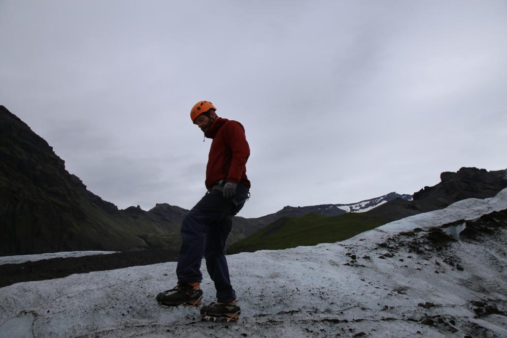 Ali 在這些冰面上可真是如履平地